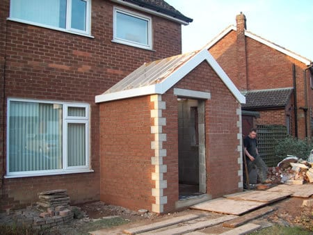 Front porch with cloakroom