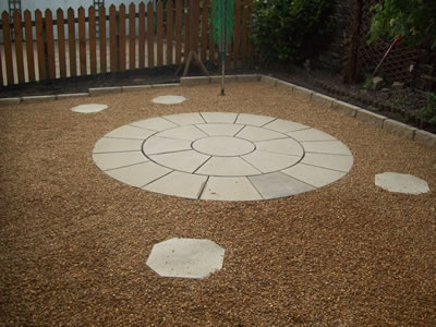 Circular Paved Back Garden Construction